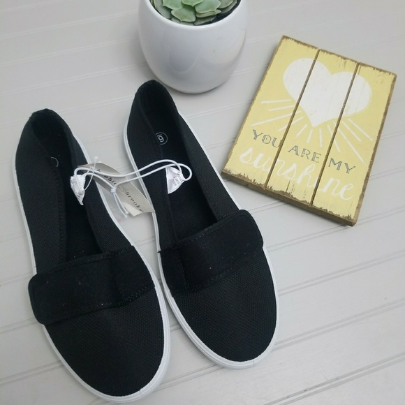 767202a14e51a Bobbie Brooks Canvas Sneakers
